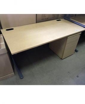 1600 desk with mobile pedestal
